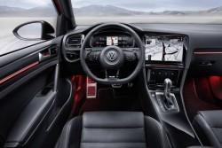Volkswagen-Golf-R-Touch